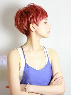 赤髪ベリーショート