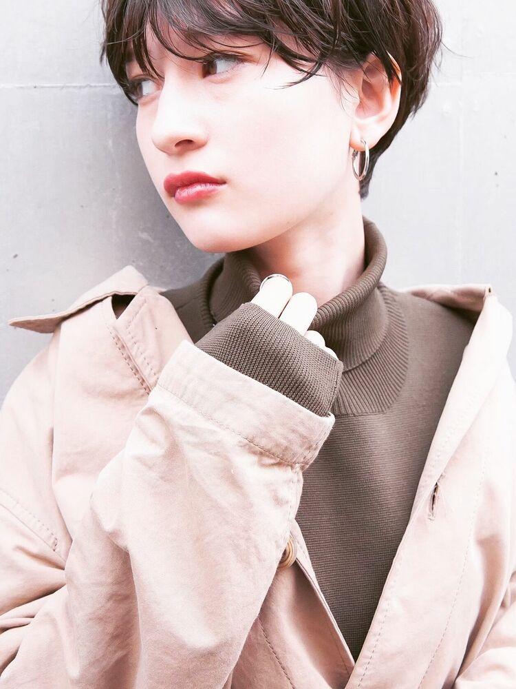 #横顔美人ショート