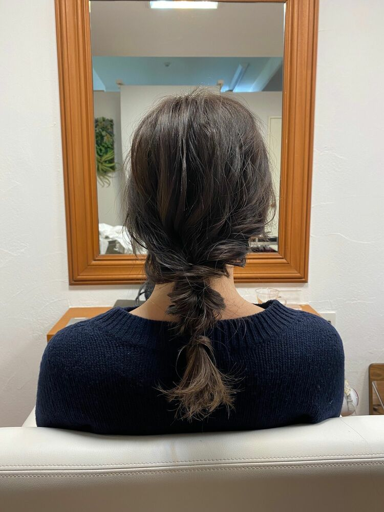 ミディアムもヘアアレンジすると可愛い。