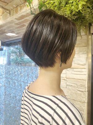 襟足スッキリ夏のショートヘア