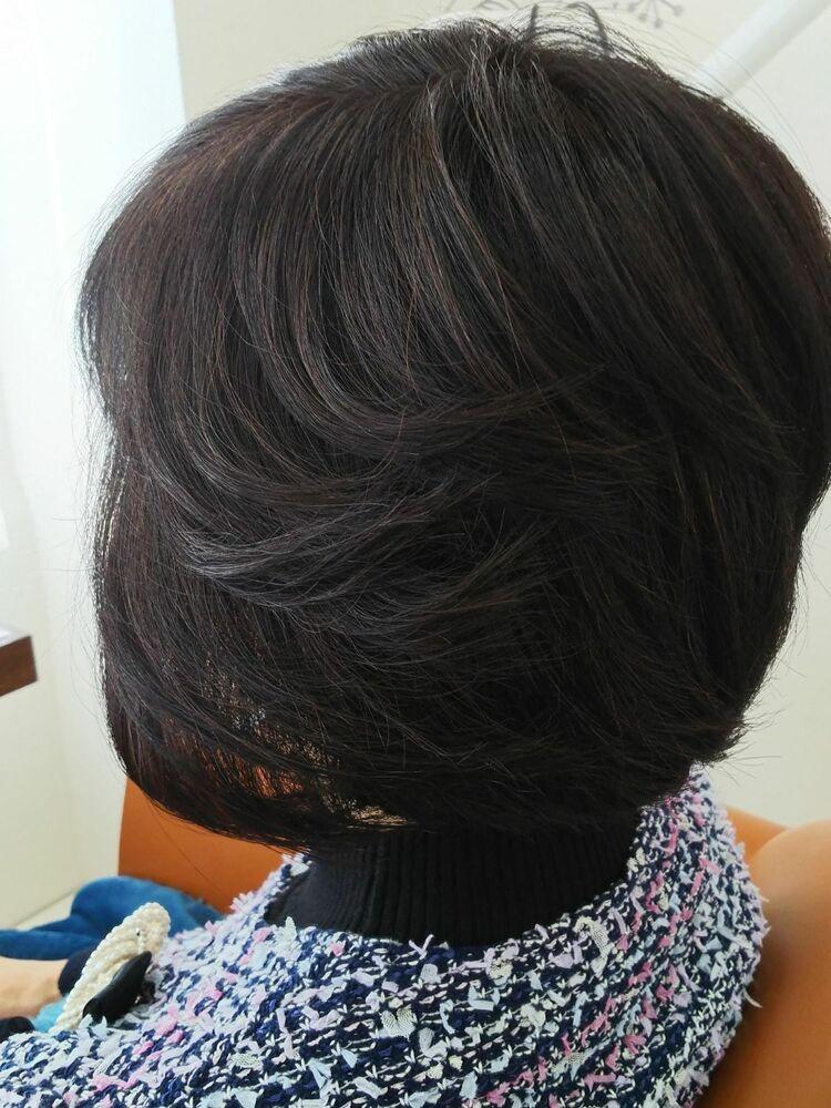 ひし形系シルエットなレイヤーボブで前髪を作る事で可愛さアップ。