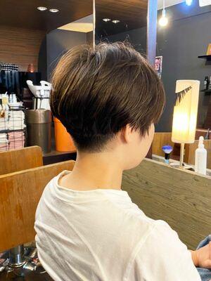 大人の刈り上げショートヘア