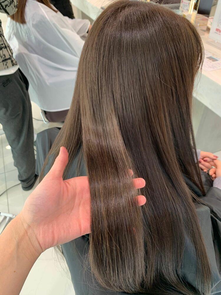ハイライトベースに透け感MAXなグレージュをON☆サイエンスアクアで艶髪に。