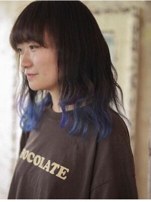 裾カラー ブルーカラー