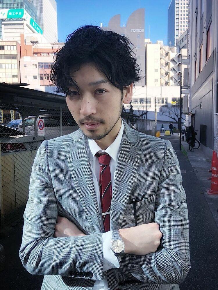ビジネスマン メンズパーマ スーツスタイル