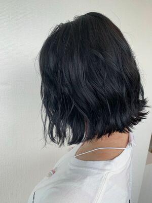 ブリーチなしで作る ネイビーブルー 外ハネ カット+フルカラー4400円
