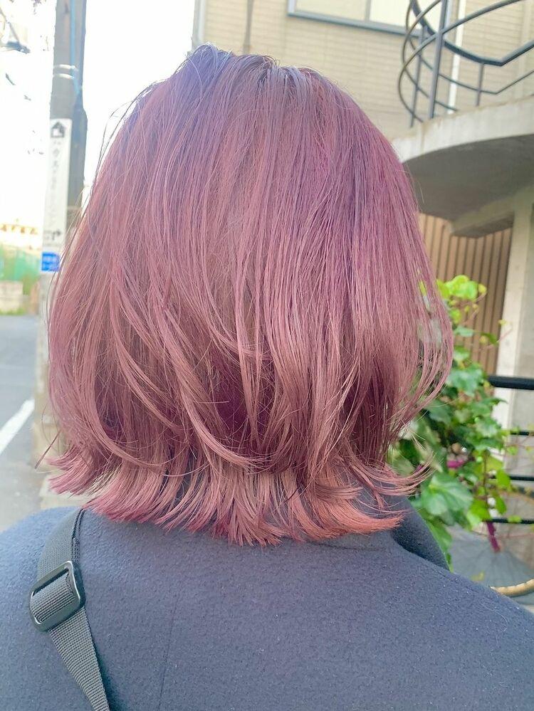 外ハネ くびれボブ ピンクヘア カット+ブリーチカラー10000円