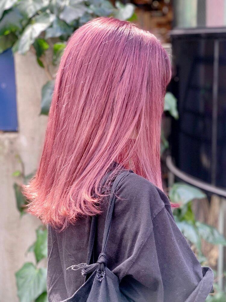 ピンク系 ハイトーン 外ハネ カット+Wカラー10000円