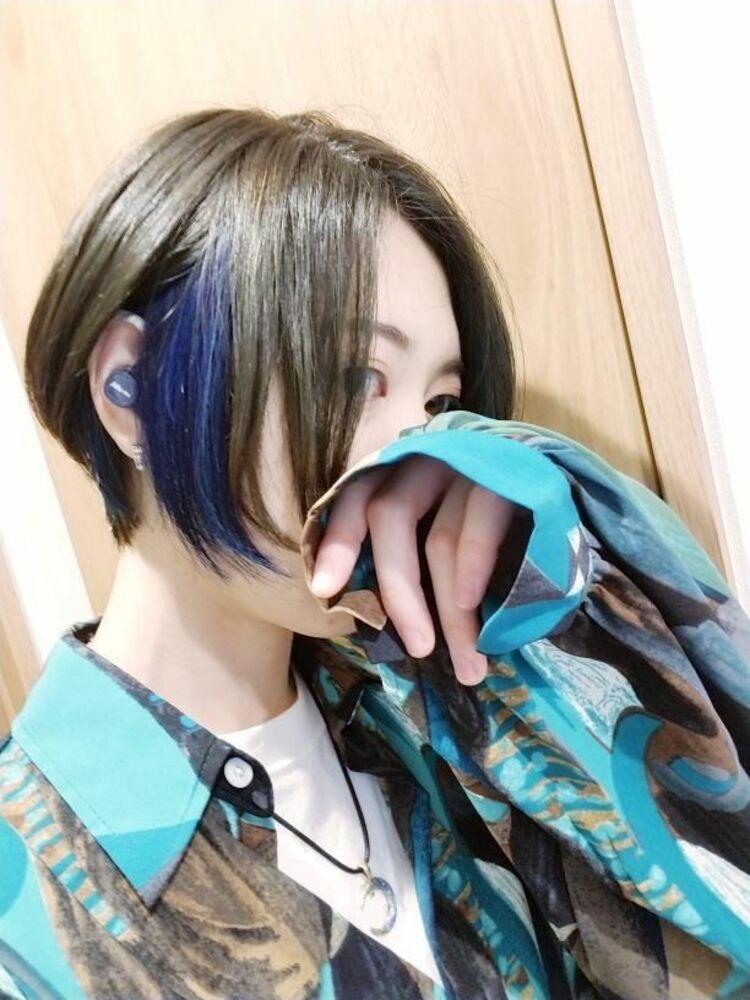 インナーカラー 1回ブリーチでつくる blue cut+インナーカラー 7000円