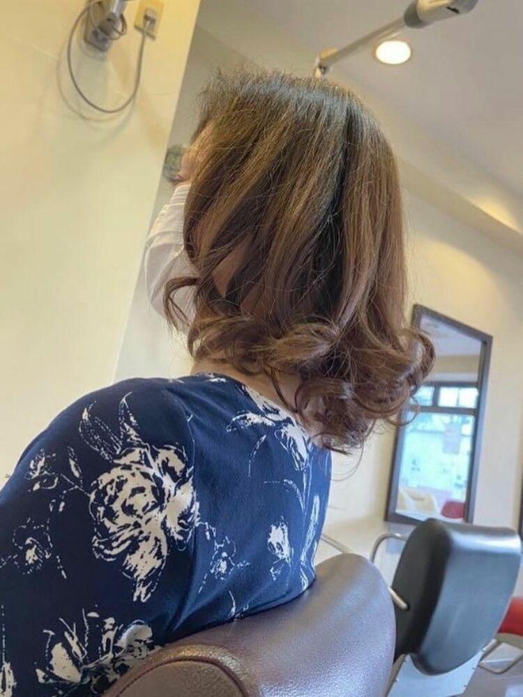 ヘアマニキュア カット 巻き髪