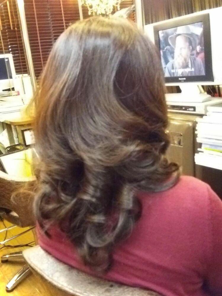 ファッションカラー 巻き髪ロング