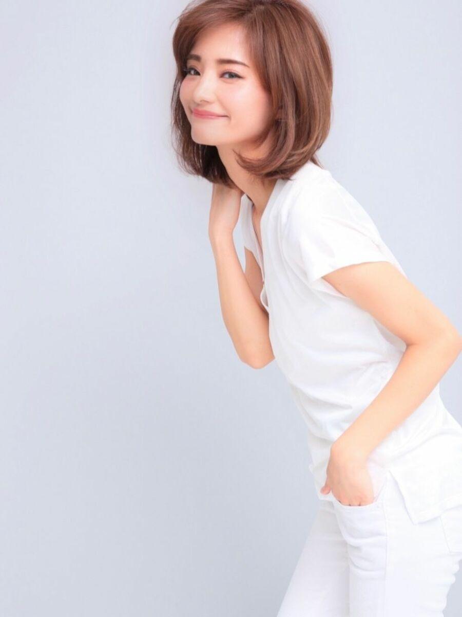 鎖骨ミディボブレイヤー×おろし流し前髪×透明感カラーの王道スタイルでスタイリングも、簡単☆