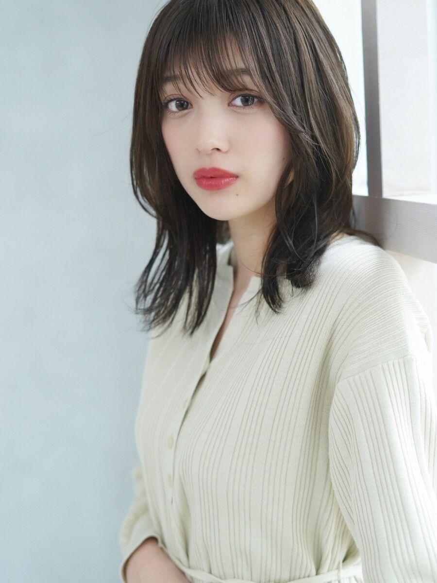 顔型別似合わせカットで垢抜けヘアー、透明感カラーとシースルーバンクで柔らかなスタイル☆