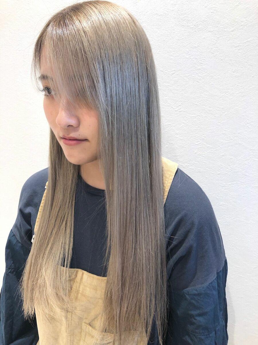 ハイトーンストレートヘア