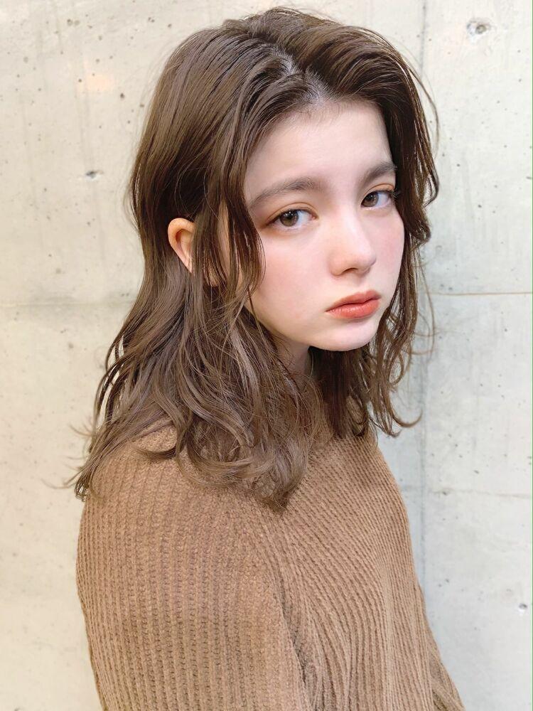 モカベージュ×センターパート×セミディ『ネモトヨシキ』表参道stylist