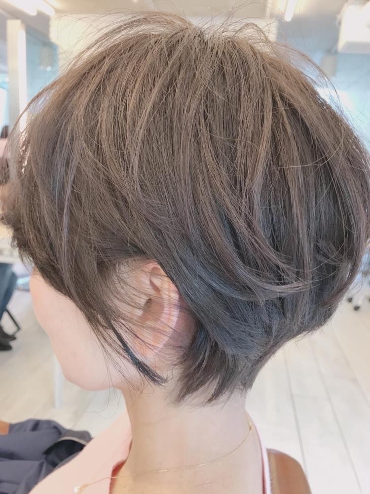40代髪型☆無造作ショートボブでふんわり☆