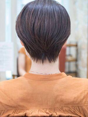 頭のカタチがきれいに見えるショートボブ・浦和の美容室トライベッカ荒巻充のショートヘア、ショートカット