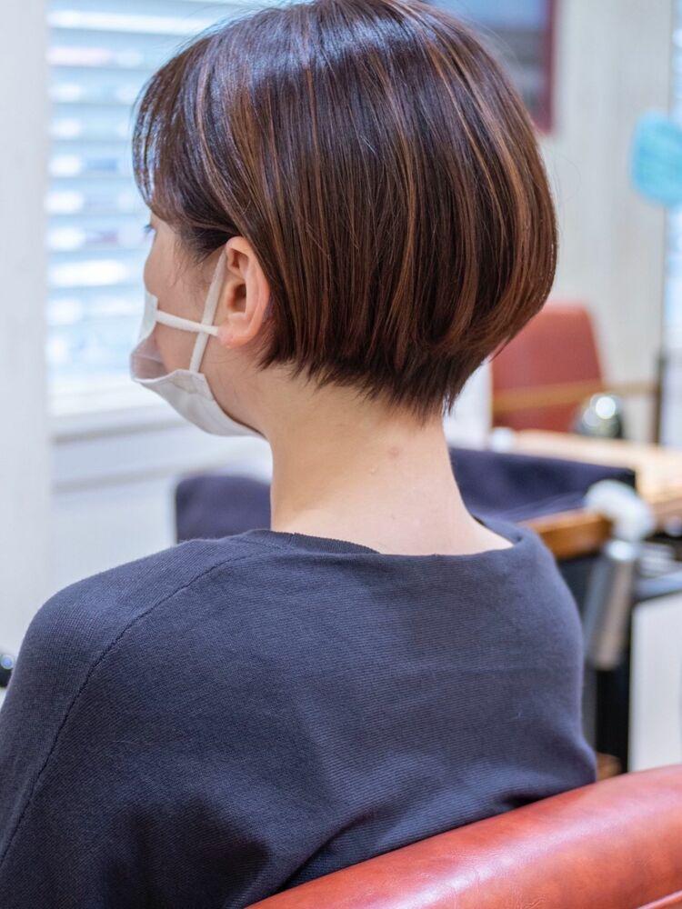 頭の形がキレイに見えるショートボブ埼玉浦和美容室トライベッカ荒巻充の髪型ショートカットが上手い