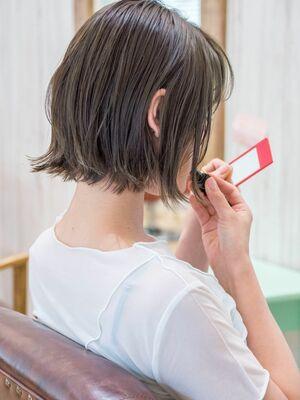 頭のカタチがきれいに見える切りっぱなしボブ・浦和の美容室トライベッカ荒巻充のショートヘア、カット