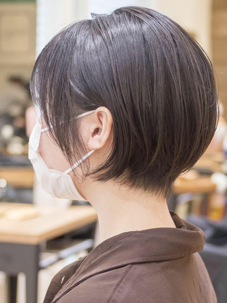 マスクに似合う髪型、耳かけショートボブ・浦和の美容室トライベッカ荒巻充のショートヘア、ショートカット