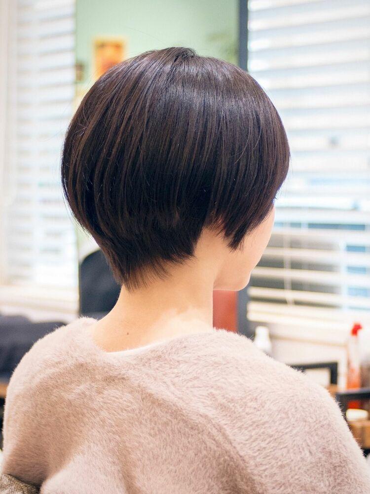 ふんわり丸みシルエットの黒髪ショーカット・浦和の美容室トライベッカ荒巻充のショートヘア、ショートボブ