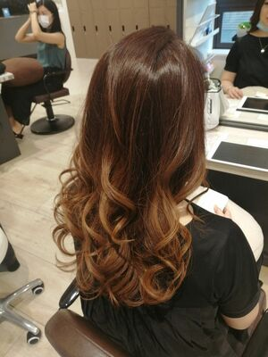 ☆周りと差がつく髪質改善×グラデーションカラー×ダブルハイライト×セレブウェーブ☆