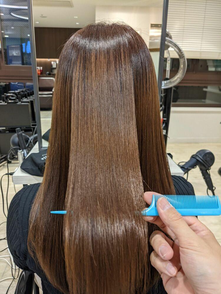 ハイダメージ毛も自然なストレートに♪梅雨時期にまとまらないくせ毛の方はぜひ。#縮毛矯正