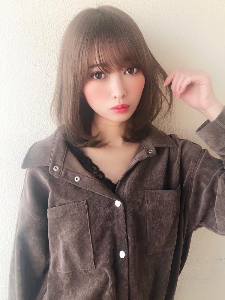 表参道美容室 アフロート岡崎 透明感ベージュカラーふんわりナチュラルミディアムヘア