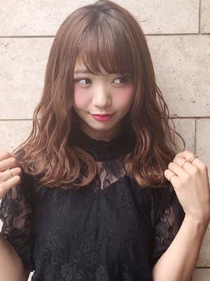 表参道美容室アフロート岡崎可愛い前髪ふわふわセミロングヘア