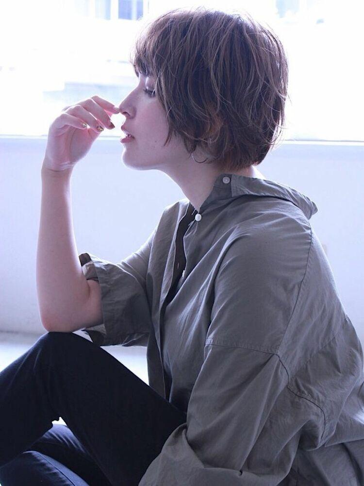 パーマ風巻き髪ショートスタイル