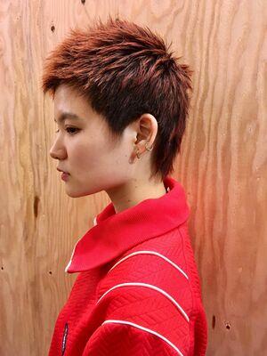 毛先カラー オレンジ ショートヘア