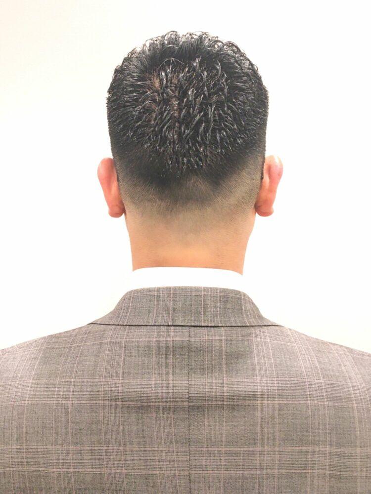 黒髪フェードビジネス アイロンパーマ