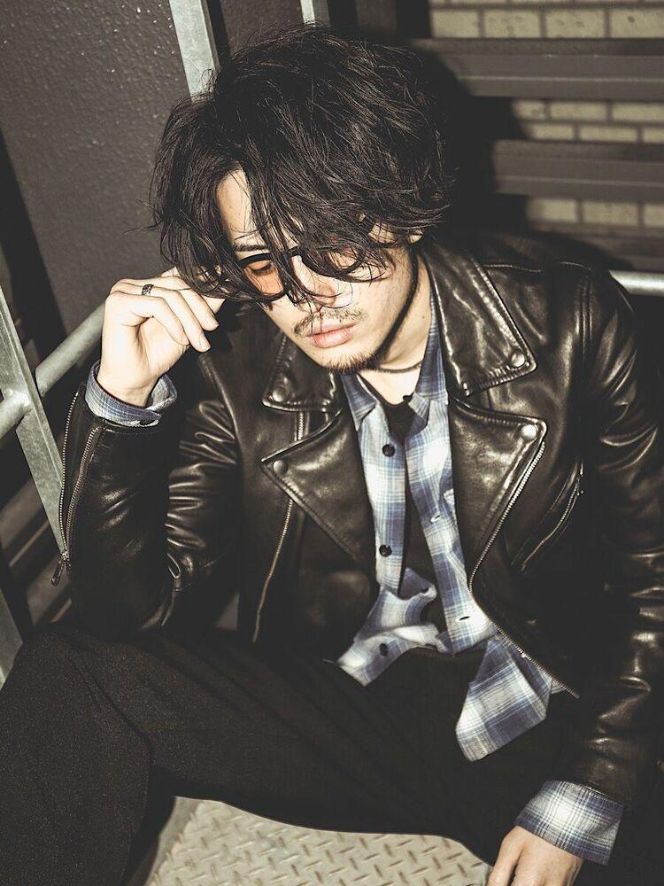 男のロン毛ヘアスタイル詳細はInstagramで→@lipps_uekitoru