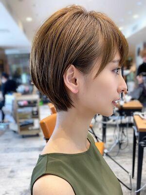 大人かわいい 小顔 ショートボブ ショートヘア 30代40代50代耳かけカット 上手似合わせカット