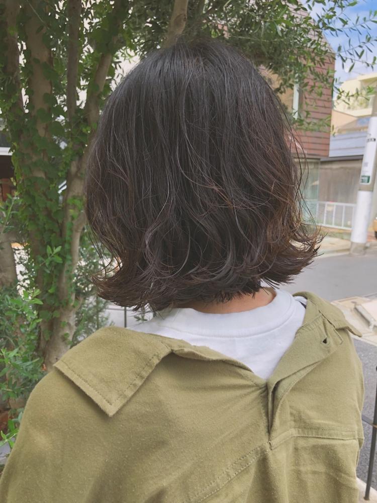 fiorista表参道駅徒歩3分くせ毛も味方に!切りっぱなしボブ