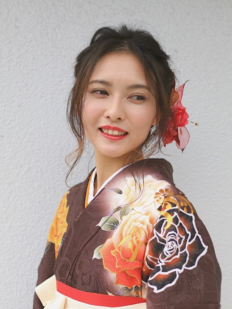 fiorista表参道駅徒歩3分卒業式袴着付けご予約承ります!