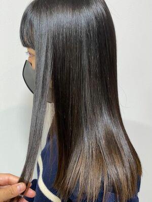 髪質改善ストレートで極純のツヤ《pu-ro井上》