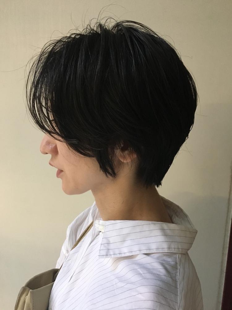 黒髪ニュアンスショート