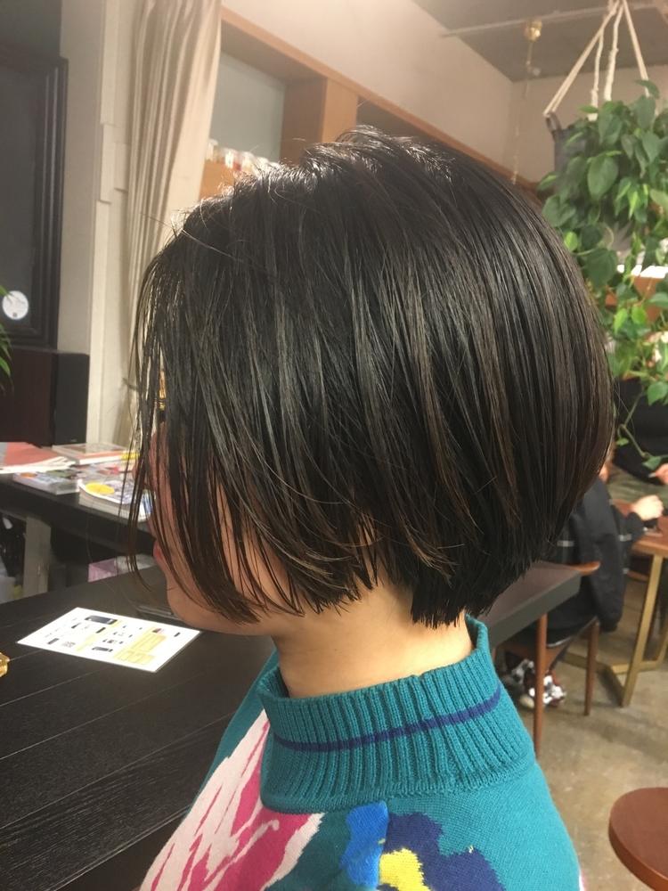 黒髪グラショート