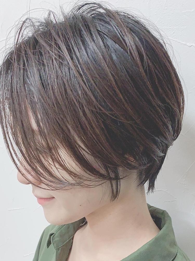 前髪長めのハンサムショート