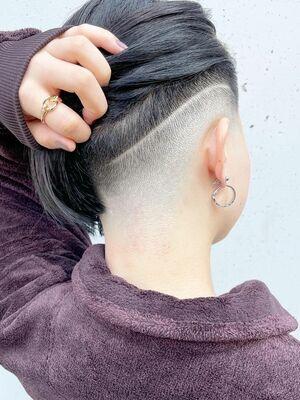 スキンフェード女子 刈り上げ女子 ラインアート