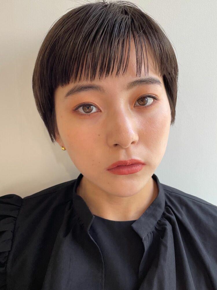シンプルな黒髪ショートヘア◎表参道美容室◎完全予約制のマンツーマン対応型サロン
