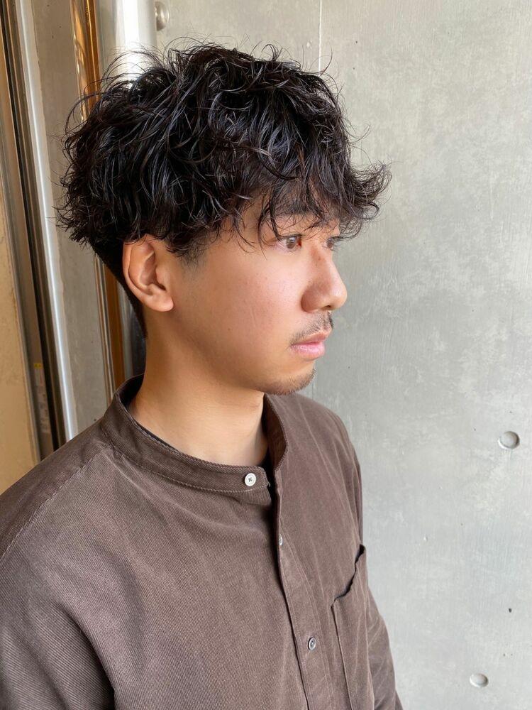 インスタ @suguru_sugawara ナチュラルツーブロマッシュ スパイラルパーマ