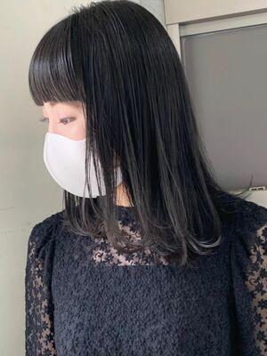 暗髪/ぱっつんバング/グレージュ/地毛風カラー/暗髪カラー/ワンカール/低めレイヤースタイル