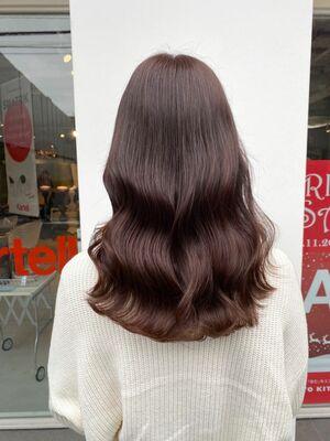 ブリーチなし。柔らかい艶髪、ピンクブラウン。