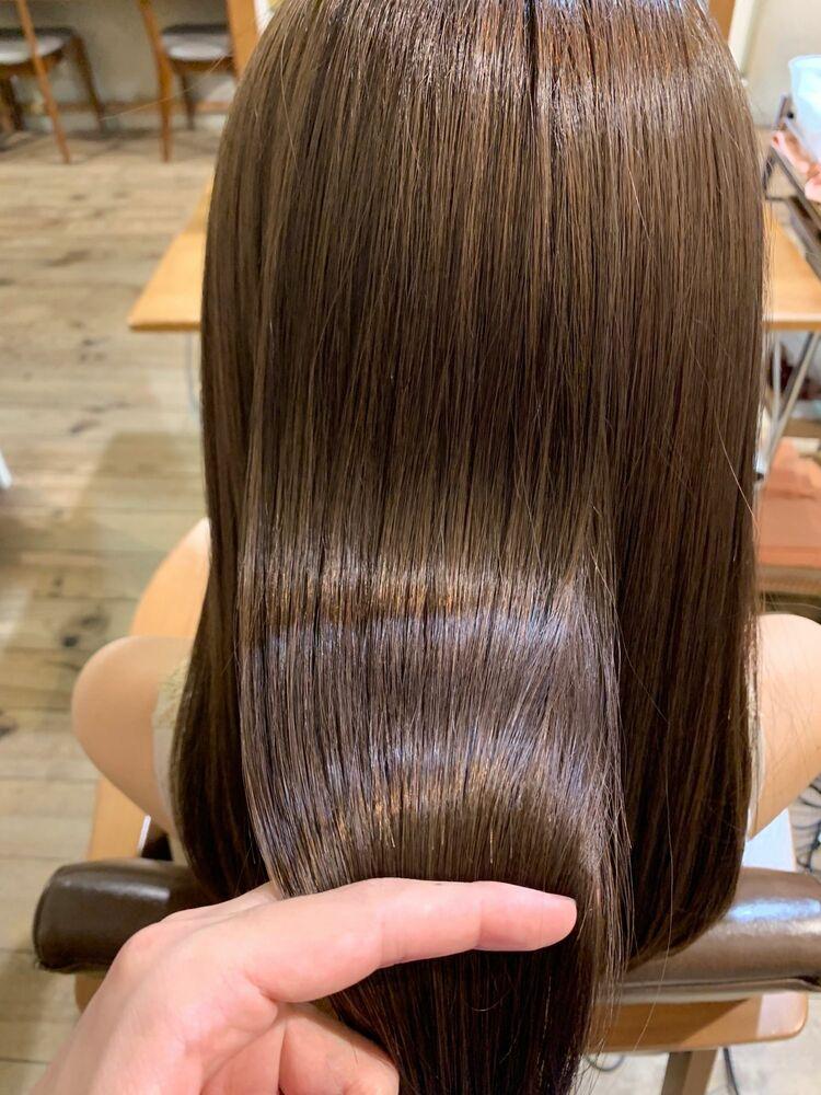 今話題の髪質改善トリートメントで美髪に