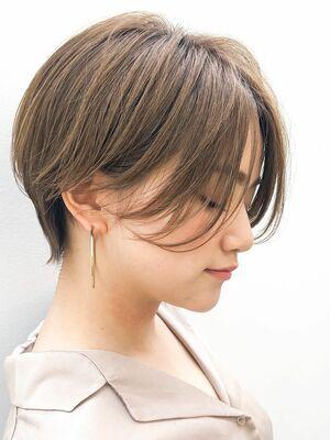 前髪長めのオトナ小顔ショート