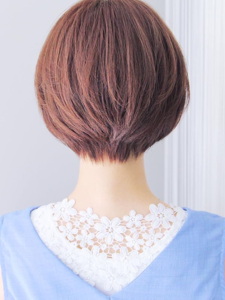 大人可愛いひし形外ハネミディアムヘア