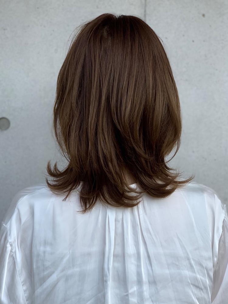 大人可愛いひし形小顔ミディアムヘア