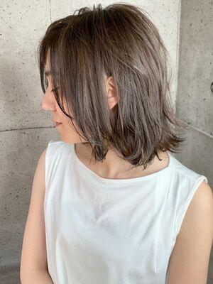 夏🌻ブリーチなしでハイトーンミルクティ✨透明感&柔らかさ抜群☆外ハネウェットなスタイリング!